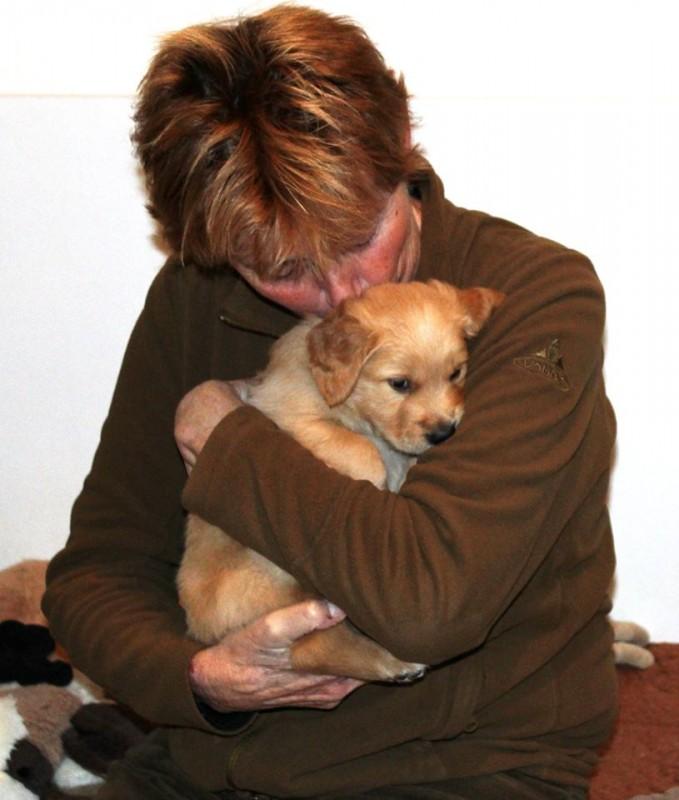 Bep kwam vandaag ook nog even puppies knuffelen